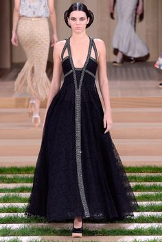 Kendall Jenner SS16 Chanel Haute Couture