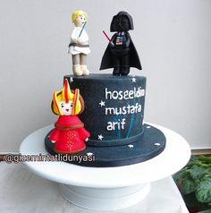 (@gizemintatlidunyasi): Doğuştan Starwars Fanı Mustafa Arif ✨ #starwars #starwarscake Cupcake, Star Wars, Recipes, Starwars, Cupcake Cakes, Cup Cakes, Star Wars Art, Teacup Cake
