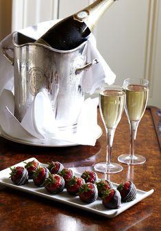 Valentine's, Champagne & Strawberries <3