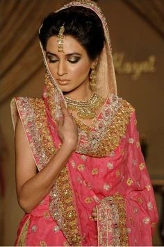 Love the work on the dupatta.