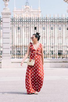 How to Wear a Polka Dot Maxi Dress // Madrid, Spain, Summer Maxi Dress Men's Casual Fashion Tips, Summer Outfits, Summer Dresses, Summer Maxi, Long Dresses, Polka Dot Maxi Dresses, Travel Dress, Affordable Dresses, Jacket Style