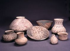 Hohokam pottery from Gila Bend, Phoenix, and Tucson areas, c. Photo by Jannelle Weakly, from the permanent collections of Arizona State Museum. Native American Crafts, Native American Pottery, Gila Bend, Ceramic Painting, Painted Ceramics, Hand Built Pottery, Arizona State, Ancient Civilizations, Prehistoric