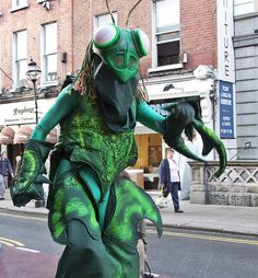 PaddysFest Grasshoppers by jaqian, via Flickr Animal Costumes, Diy Costumes, Halloween Costumes, Puppetry Theatre, Stilt Costume, Jungle Boogie, The Giant Peach, Bug Art, Mothman