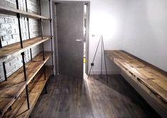 Shou Sugi Ban industriële plank Plank, Divider, Loft, Furniture, Home Decor, Decoration Home, Room Decor, Lofts, Home Furnishings
