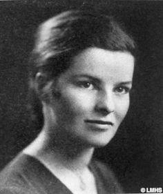 Katherine Hepburn , Bryn Mawr Yearbook photo, 1928. Source: http://www.lowermerionhistory.org