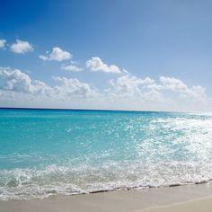 Tropical beach #iPad #Wallpaper | http://www.ilikewallpaper.net/ipad-wallpaper/, welcome to my website to enjoy more.