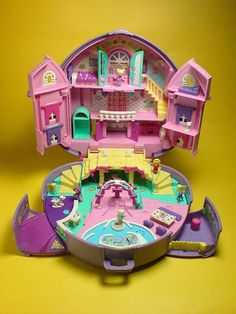 The BIG Polly Pocket - this was like the mother ship!