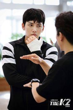 The (behind the scenes) Ji Chang Wook Abs, Ji Chang Wook 2017, Korean Celebrities, Korean Actors, Korean Dramas, The K2 Korean Drama, Chines Drama, Suspicious Partner, Netflix