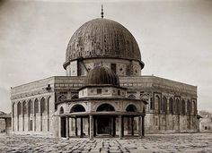 "Rare image of Dome of the Rock & little ""Dome of the Chain"". It was taken in between 1934 and 1939 by Matson Photo Service."