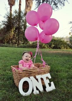 @Diesta Delong Delong Delong this is cute. One Year Old Photo Shoot.