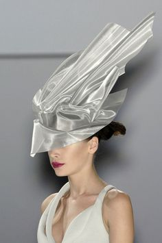 Silver Hat - elegant futuristic fashion; creative millinery; wearable art // Hussein Chalayan Spring 2009