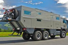 Globecruiser Motor Home   Men's Gear Off Road Rv, Trailer Off Road, Off Road Camping, Family Camping, Overland Truck, Expedition Vehicle, Motorhome, Grand Luxe, Bug Out Vehicle
