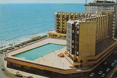 Residencia del Tiempo Libre y su desaparecida piscina. Finales de los 70.