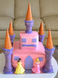 Princess Castle cake. I definitely want to do this for my little one's first birthday