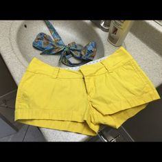 Sexy Hurley Shorts Super Cute Hurley Shorts excellent condition. Wore 1x Hurley Shorts