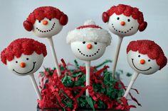 Snowmen Cake Pops (inspired by Bakerella) Christmas Cake Pops, Christmas Decorations, Babycakes Cake Pop Maker, Snowman Cake Pops, Candy Arrangements, Bakerella, Cookie Pops, Cake Cookies, Cupcakes