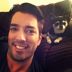 Jonathan Scott with his baby Gracie in NYC. Jonathan Scott, Property Brothers, R Lol, Great Scott, Scott Brothers, Choi Siwon, Heart For Kids, Celebrity Weddings, Celebrity Crush