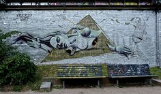 HH-Graffiti 2110 by cmdpirx on Flickr.A través de Flickr: I only took the photo!! I have no claim to the artwork!!