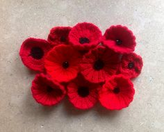 Help knit poppies for the Royal British Legion! Knitted Poppy Free Pattern, Poppy Pattern, Knitting Patterns Free, Free Knitting, Stitch Patterns, Knitted Poppies, Knitted Flowers, Crochet Flower, Remembrance Poppy