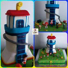 Bolo Torre da Patrulha Pata,  para a Mafalda que fez 5 anos.  Bolo de noz com recheio de doce de ovos. #carinaecake #pawpatrolcake #tower #cakepatroltowerpata #cakechase #cakedesigner #bolosdecorados #bday #babyboy #bolinhosamedida #happybirthday #happybday #lovely #welcomefriends