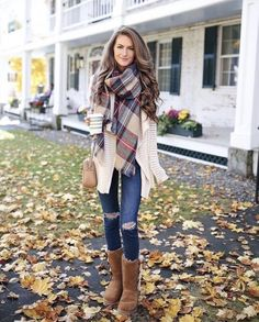 See our simplistic, comfortable & simply lovely Casual Fall Outfit ideas. Get inspired with your weekend-readycasual looks by pinning your most favorite looks. casual fall outfits with jeans Casual Fall Outfits, Winter Fashion Outfits, Fall Winter Outfits, Look Fashion, Outfits For Teens, Teen Fashion, Stylish Outfits, Autumn Fashion, Summer Outfits