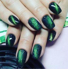 Black dress nails, Droplet nails, Evening nails, Green and black nails, Interesting nails, Nails trends 2017, Original nails, Two color nails