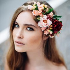 "jessjacksonphotographer on Instagram: ""Happy Friday everyone! Can you believe it's almost September? I'm excited for Spring sunshine and flower crowns galore! Like this one by @hopeandlace! Makeup by @blissfulmakeup_karla and hair by @loveloxx """