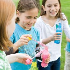 A website with lots of party ideas, including party activities