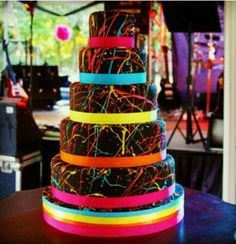Colorful cake... Beautiful for teen party!