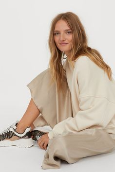 Calf-length skirt in satin with visible seams. High waist with concealed side zip. Magazine Man, Trending Art, Calf Length Skirts, Ballet Fashion, Beige, Satin Skirt, Rock, Fashion Company, Christmas Shopping