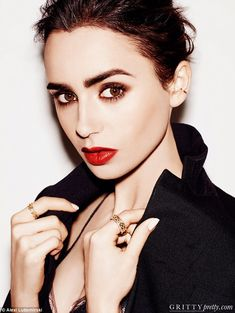 Lily Collins speaks of her insecurities in the spotlight #dailymail