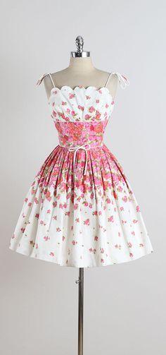 Harbour Cottage . vintage 1950s dress . by millstreetvintage