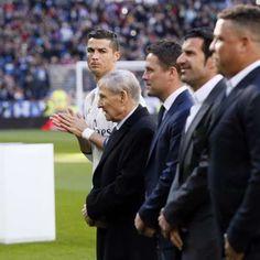 Ronaldo, Kaká e Real homenageiam CR7 por 4ª Bola de Ouro Milan, Chelsea, Cristiano Ronaldo Cr7, Goals, Couple Photos, Couples, Ballon D'or, Soccer, Bavaria