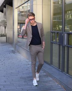 Mens fashion:__cat__, mens fashion blazer и mens fashion wear. Blazer Outfits Men, Mens Fashion Blazer, Mens Fashion Wear, Mens Fashion Blog, Outfit Jeans, Suit Fashion, Mens Casual Suits, Stylish Mens Outfits, Blazers For Men Casual