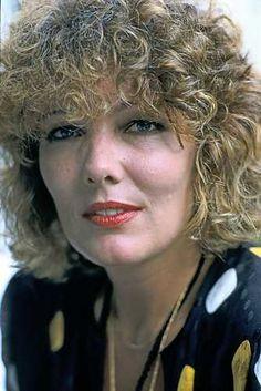 Willeke van Ammelrooy  is een Nederlands actrice, die al decennialang een van de belangrijkste filmsterren van Nederland is. Ook speelde zij in talloze toneelstukken en regisseerde zij enkele films. Geboren: 5 april 1944