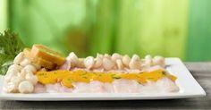 Tiradito de pescado con salsa a la huancaina  Hoy en el blog de  César Hinojosa Quiroz  y todo sobre la gastronomía peruana compartiremos ... #gastronomiaperuana #comidaperuana #tiraditodepescado