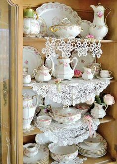 20 Shabby Chic Kitchen decor ideas for 2019 - Hike n Dip Planing to remodel your kitchen? Here is the best DIY DIY Shabby Chic Kitchen decor ideas for These Kitchen decor ideas are cute, soft and awesome.