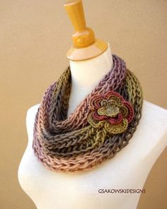 Beautiful cowl with flower motif