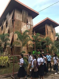 A community for students, professionals, and lovers of architecture. Philippine Architecture, Filipino Architecture, Bamboo Architecture, Tropical Architecture, School Architecture, Natural Architecture, Bamboo House Design, Bamboo Building, Philippine Houses