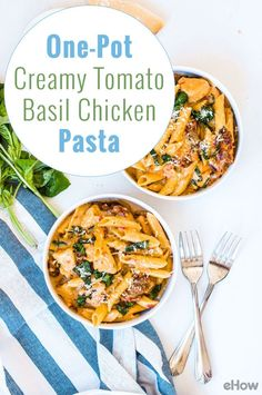 One-pot creamy tomato basil chicken pasta. This recipe is so easy and a MUST in your dinner or lunch rotation! Easy Dinner Recipes, Great Recipes, Dinner Ideas, Favorite Recipes, Chicken Basil Pasta, Tomato Basil Pasta, Turkey Recipes, Rice Recipes, Casserole Recipes