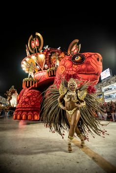 RIO DE JANEIRO, BRAZIL - MARCH 03: A performer dances during Salgueiro performance at the Rio de Janeiro Carnival at Sambodromo on March 3, 2019 in Rio de Janeiro, Brazil. (Photo by Raphael Dias/Getty Images)