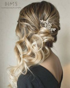 What's the Difference Between a Bun and a Chignon? - How to Do a Chignon Bun – Easy Chignon Hair Tutorial - The Trending Hairstyle Wedding Hair And Makeup, Hair Makeup, Hair Wedding, Bride Makeup, Hair To The Side Wedding, Makeup Hairstyle, Wedding Dresses, Bridesmaid Hair To The Side, Bridesmaid Dresses