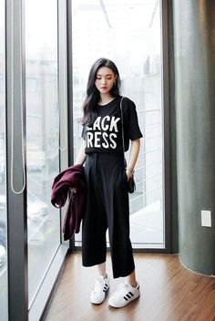25 Casual Culottes Outfit Trends To Change The Way Of Styling Korea Fashion, Asian Fashion, Look Fashion, Trendy Fashion, Girl Fashion, Fashion Outfits, Womens Fashion, Fashion Black, Fashion Trends