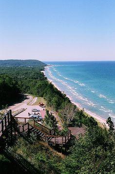 M22 Scenic Overlook Lake Michigan Arcadia MI, USA /