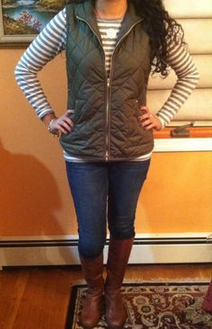 Quilted Vest street style outfit ideas for winter plaid blanket scarf skinny jeans outfit Fashion Favorites: January 2015 olive green vest with riding boots Casual Fall Outfits, Fall Winter Outfits, Simple Outfits, Autumn Winter Fashion, Cute Outfits, Winter Clothes, Puffer Vest Outfit, Vest Outfits, Black Vest Outfit