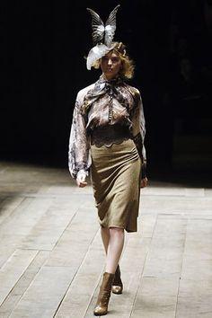 Alexander McQueen Fall 2006 Ready-to-Wear Collection Photos - Vogue