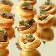 Try these delicious Mini Mushroom Tarts for your next party! Mushroom Grow Kit, Mushroom Tart, Finger Food Appetizers, Finger Foods, Edible Mushrooms, Stuffed Mushrooms, Bakers Gonna Bake, Growing Mushrooms, Mini Muffin Pan