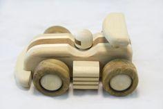 Coche de competición de madera por DesLineToys en Etsy
