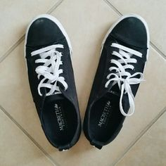 """HP! 🌠 Macbeth Matthew Sneakers Black Matthew style from Macbeth. Hardly worn in excellent used condition. Macbeth is a vegan brand.  06/27/2016 """"Best in Shoes"""" Host Pick! 🎉 Thank you @suzyque! 😙💖 Macbeth Shoes Sneakers"""