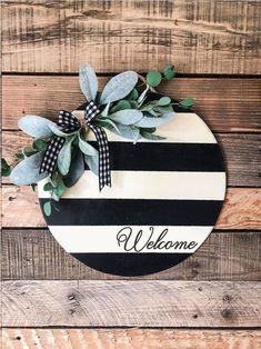 Black and White stripes round Welcome sign / Door hanger / front door decor / summer door decoration - - Front Door Signs, Porch Signs, Front Door Decor, Front Doors, Entry Doors, Summer Door Decorations, Christmas Decorations, Door Hanging Decorations, Rustic Wood Signs